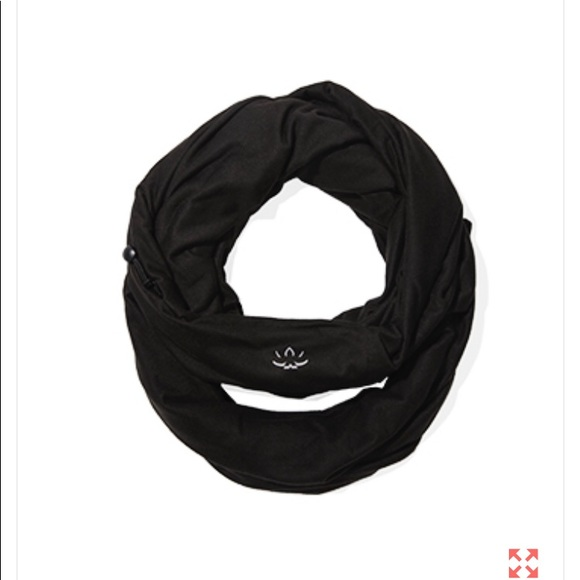Beyond Yoga Hidden Pocket Infinity Scarf